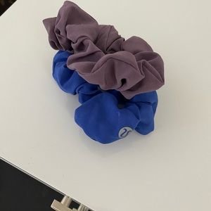 2 lululemon scrunchies
